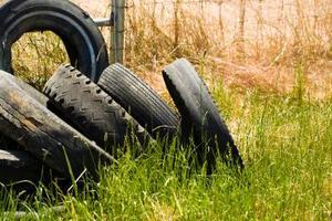 Comment faire pousser des légumes dans les pneus de voiture