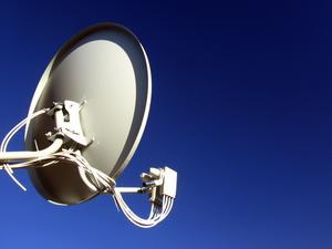 Comment mettre en place une antenne TV parabolique