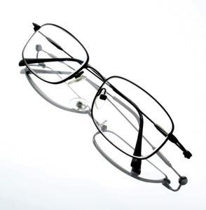 Comment faire pour réparer des lunettes brisées à la maison