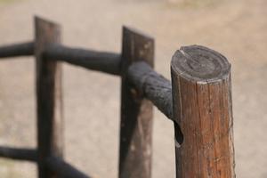 Comment comparer des chargeurs de clôtures électriques