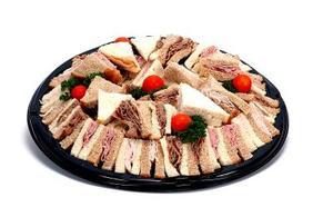 Comment organiser les Sandwiches sur un plateau de garniture