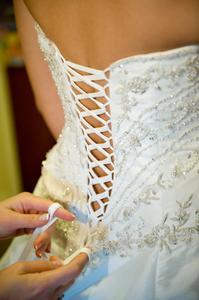 Comment un Corset sur une robe de mariée en dentelle