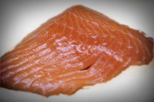 Comment fumer le saumon kokani