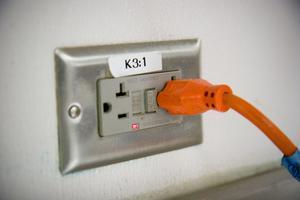 Comment installer une prise de courant 220V