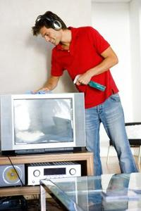 Comment faire pour enlever les rayures sur les écrans de télévision