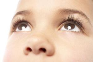 Quelles sont les causes des saignements de nez chez les enfants ?