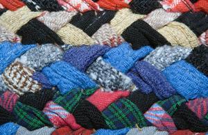 Instructions pour faire un tour de tapis tressé