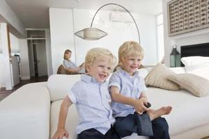 comment enlever du goudron sur ciment. Black Bedroom Furniture Sets. Home Design Ideas