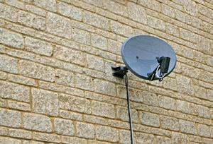 Pour améliorer le Signal sur un Long câble exécutés d'un récepteur Satellite
