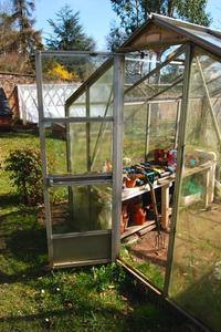 Comment construire une serre avec des fenêtres anciennes