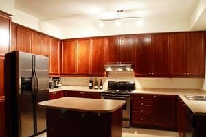 Comment faire pour remplacer un joint de porte de réfrigérateur KitchenAid