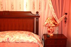 fenetre de chambre victorienne. Black Bedroom Furniture Sets. Home Design Ideas