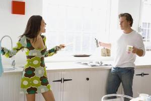 Comment faire pour cesser d'être un maniaque du contrôle dans une relation