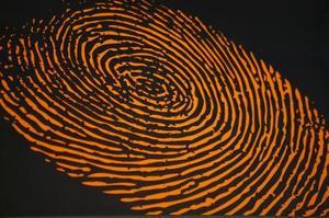 Quels sont les avantages de l'impression du doigt en criminalistique ?