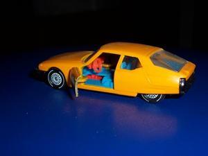 Comment faire votre propre autocollant pour une voiture de course jouet