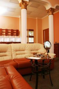 comment n gocier avec un vendeur de meubles. Black Bedroom Furniture Sets. Home Design Ideas