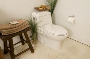Comment installer le plancher de linoléum dans une salle de bain sans enlever la toilette