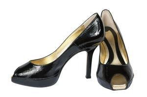 Comment nettoyer des chaussures en cuir verni noir