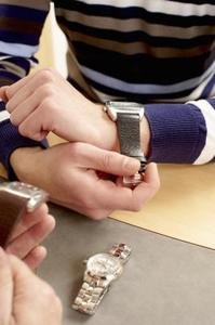 Comment ajuster une bande de Accutime montre