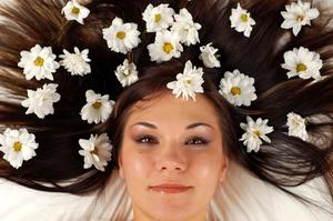 Comment rendre vos cheveux poussent plus vite naturellement