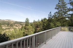 Garde-corps des idées pour les terrasses extérieures en bois