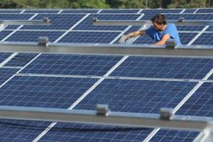 Projets d'école modèle de travail pour l'énergie solaire