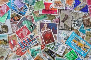 Comment identifier les timbres-poste belges