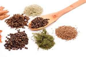 Quelles sont les herbes bons pour l'acné ?