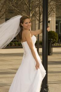 Comment se débarrasser du gras dorsal dans une robe de mariée