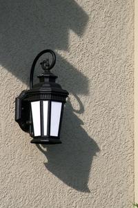 Comment câbler une lumière luminaire extérieur pour devenir une lumière plug-in
