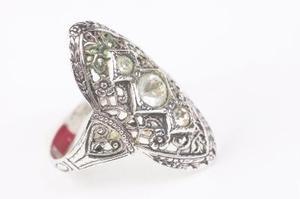 Le bijoux faisant des Techniques du XIXe siècle
