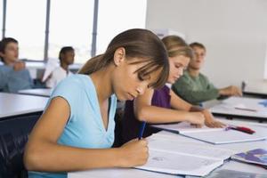 Stratégies d'enseigner à tous les élèves dans la salle de classe