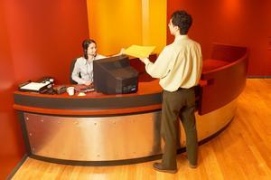 Comment être un réceptionniste en suspens