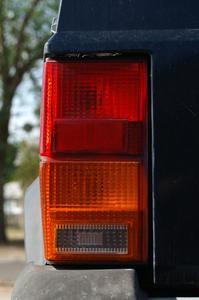 Comment faire pour supprimer l'huile envoi connecteur sur une Jeep Cherokee de 1998