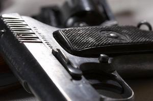 Comment faire en bois poignées pistolet automatique