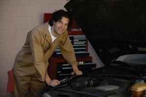 Comment faire pour remplacer le joint de carter d'huile sur un moteur à 1998 Jeep Grand Cherokee Laredo 4,0