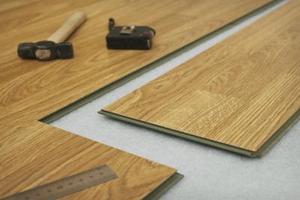 Comment faire pour sceller les planchers laminés