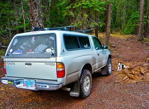 Comment installer un plafond de lit sur un Toyota Tacoma