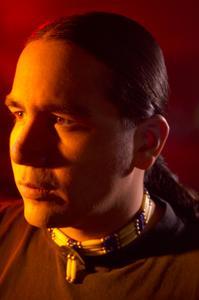 Comment faire collier un Amérindien hommes