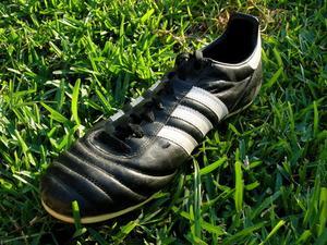 Comment faire pour supprimer les traces de gazon de caoutchouc de souliers de soccer