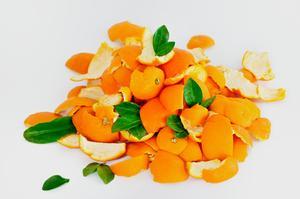 Comment faire sécher des écorces d'orange dans le four