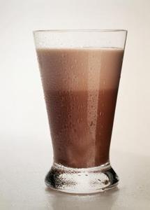 Comment obtenir un lait au chocolat sur un mur plat peint