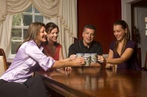Quelle couleur de tapis va mieux avec une Table de salle à manger merisier ?