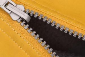 Comment réparer une fermeture éclair entraîneur sur un sac à couches