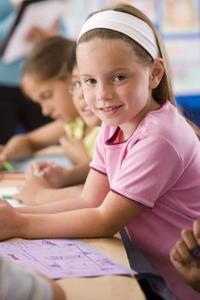 Art, activités de tissage pour enfants d'âge préscolaire