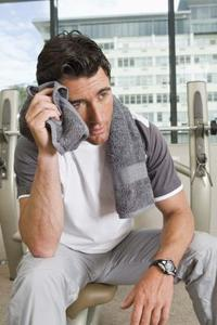 Comment enlever les taches de sueur & odeurs de chemises
