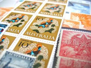 Comment comparer les prix de collection de timbre