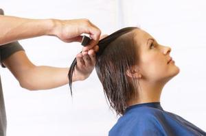 Comment recréer les coiffures des années 1940