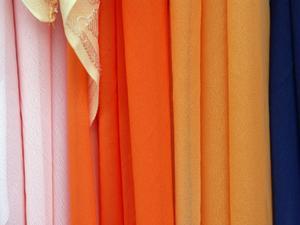 Idées pour des écharpes pure de décoration comme les parures de fenêtre