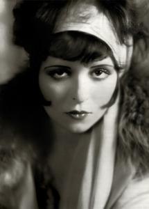 Coiffures féminines dans les années 1920